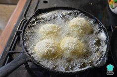 Receta de Tortitas de papa y queso - Paso 3 Iron Pan, Griddle Pan, Cooking, Vegetarian, Salads, Lentil Burgers, Empanada Dough, Egg Wash, Homemade Food