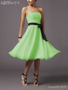 Did I mention I love the color green? To bad I am FAR to white to wear this shade! Lol.