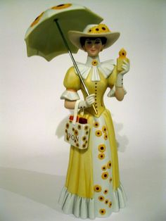 AVON Mrs Albee President's Club Figurine 2012 2013 BNIB   DELIVERY BEFORE XMAS