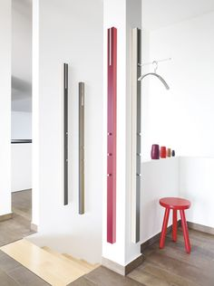 Schönbuch Wandgarderobe LINE Special Edition Colour Block; Design: Apartment 8 Schoenbuch coat rack LINE Special Edition Colour Block: Design: Apartment 8