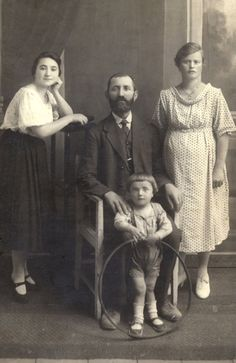 The Rubitzstein family in Chełm, 1921. The historic city of Chełm,    Poland, had a large Jewish community with a vibrant Yiddish and Hebrew culture, Jewish education and an active Jewish community which led a rich religious and political life. During the Second World War the Germans conquered Chełm and murdered almost the entire Jewish community.