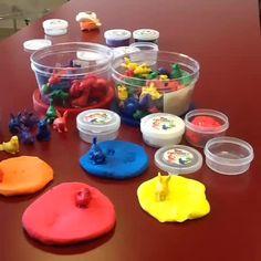 Découvrir les #couleurs et les #animaux en s'amusant #playdough #Montessori…