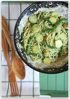 Basil Pesto Pasta with Potatoes and Green Beans | 32 Delicious Sides For Summer Picnics