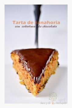 Placer adulto: tarta de chocolate y naranja (chocolate and orange cake) - Laube Leal Healthy Desserts, Delicious Desserts, Yummy Food, Bakery Recipes, Dessert Recipes, Latin Food, Sweet Tarts, Galette, Cakes And More