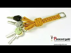Ring key guard- paracord project - Ringbolt hitching is a beautiful way to decorate a staff or wheel. Also called coxcombing, it was on - Paracord Tutorial, Paracord Knots, Paracord Keychain, Macrame Tutorial, Paracord Bracelets, Bracelet Tutorial, Paracord Braids, Monkey Fist Keychain, Monkey Fist Knot