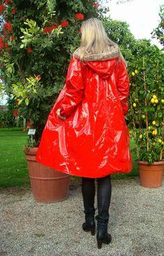 Lackmantel aus Scandinavien Regenmantel Raincoat neuwertig RAR Vinyl Lack in Kleidung & Accessoires, Damenmode, Jacken & Mäntel | eBay!