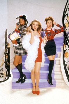 The Most Iconic Shoe Moments in Film The Most Iconic Shoe Moments in Queen of pairing Mary Janes with knee high socks, Cher Horowitz's looks from Clueless summed up the fashion scene. Cher Horowitz, Clueless Fashion, 2000s Fashion, Fashion Models, Fashion Outfits, Clueless 1995, Cher From Clueless, Cher Clueless Outfit, Film Fashion