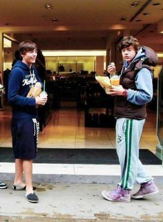 Harry and Lou Fetus One Direction, One Direction Pictures, I Love One Direction, Larry Stylinson, Zayn Malik, Niall Horan, Louis Tomlinson, Larry Shippers, Foto Jimin