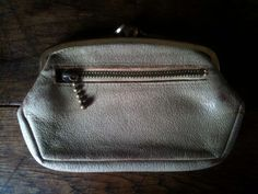This is a vintage mushroom sand ladies purse wallet.   Special:: wonderful South American leather  Size:: as shown ruler scale is in inches