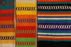 We manufacture all types of traditional blankets and carpets from Alentejo Portugal. Textiles, Textile Patterns, Lisbon Apartment, Bohemian House, Indian Patterns, Handmade Crafts, Handicraft, Weaving, Groomsmen