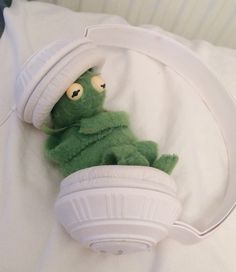 20 Trendy Ideas For Memes Funny Kermit Frogs The Frog Sapo Kermit, Music Memes Funny, Funny Quotes, Sapo Meme, Frog Wallpaper, Cute Love Memes, Cute Couple Memes, Kermit The Frog, Wattpad