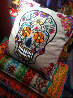 DIA DE LOS MUERTOS/DAY OF THE DEAD~Sugar skull pillow