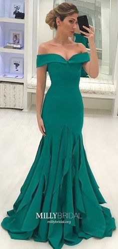 Prom Dress Beautiful, 2019 Off The Shoulder Mermaid Chiffon Prom Dresses Sweep Train, Discover your dream prom dress. Our collection features affordable prom dresses, chiffon prom gowns, sexy formal gowns and more. Find your 2020 prom dress Dresses Elegant, Beautiful Dresses, Formal Dresses, Evening Dresses For Weddings, Mermaid Evening Dresses, Lace Evening Gowns, Wedding Dresses, Cheap Prom Dresses, Girls Dresses