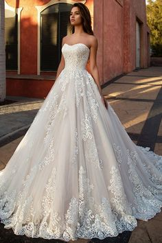 Marvelous Tulle Sweetheart Neckline A-line Wedding Dress With Lace Appliques #weddingdress