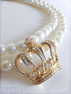 Princess pearls and crown