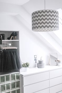 Lampa sufitowa wisząca Chevron jasny szary #closet #malm #ikea #chevron #fashion #pax