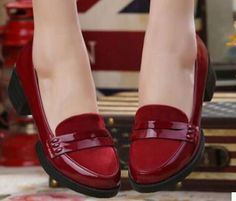 Better than ruby slippers! Pretty Shoes, Beautiful Shoes, Cute Shoes, Me Too Shoes, Loafer Shoes, Shoes Sandals, Heels, Round Toe Pumps, Dream Shoes