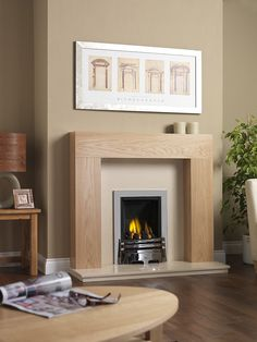Best Free of Charge cream Marble Fireplace Strategies Natural-stone fireplaces will never go out of style, particularly the ones that feature elaborate su Oak Mantle, Fireplace Mantle, Fireplace Design, Fireplace Ideas, White Fireplace Surround, Fireplace Surrounds, Natural Stone Fireplaces, Marble Fireplaces, Marble Hearth