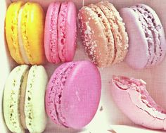 My 5 Fave Macaron Spots in Paris (And some other desserty wonderfulness.)