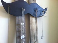 Mustache jewelry organizer, key hook, room mustache décor. I so need this!!