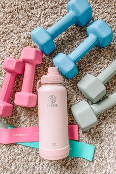 Sharing several home workout resources, and well as more info on my current fitness routine! Tips on how I stick to a home workout routine. Home Exercise Routines, At Home Workouts, Workout Aesthetic, Fitness Aesthetic, Fitness Inspiration Body, Workout Inspiration, Musa Fitness, Health Motivation, Sport Motivation