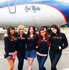 Daniella Monet, Jennette McCurdy, Miranda Cosgrove, Ariana Grande & Liz Gillies