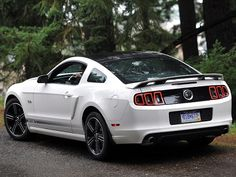Ford Mustang 5.0 GT California Special Package (2012).