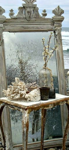 Bob's antique mirror would look good distressed like this and I'd lean it… Decor, French Decor, Shabby Chic, Shabby Chic Living Room Furniture, Shabby, Home Decor, Vintage Mirrors, Vintage Decor, Mirror