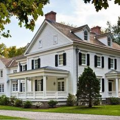 44 The Ultimate Solution For New England Homes Exterior Paint Color Ideas 91 New England Homes, New Homes, Federal Style House, Colonial House Exteriors, Colonial Exterior, Exterior Paint, Next At Home, Historic Homes, Home Fashion