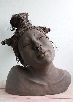 black -  nigerian woman - Lilian Wessels - Oseye - Happy - ceramic - sculpture