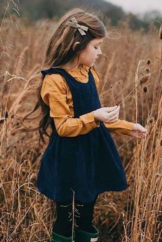 See some kids fashion and be enthusiastic about these modern looks.NET kids outfits North West Outfits That You'll Never Forget Girls Fall Outfits, Little Girl Outfits, Little Girl Fashion, Toddler Fashion, Boy Fashion, Girls Dresses, Baby Dresses, Girls Fashion Kids, Toddler Fall Outfits Girl