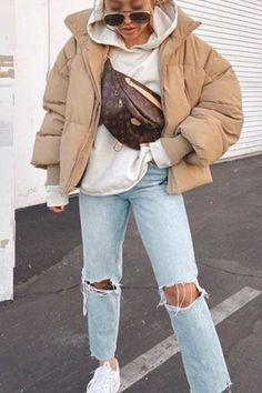 Brown Jacket Outfit, Bomber Jacket Outfit, Beige Outfit, Bubble Jacket Outfit, Quilted Jacket Outfit, Brown Bomber Jacket, Bomber Coat, Bomber Jackets, Casual Winter Outfits
