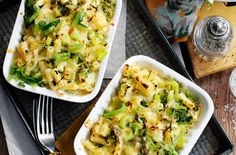 Slimming World's leek macaroni cheese is  really simple to make taking only 20 mins in total - perfect if you're  looking for a spee...