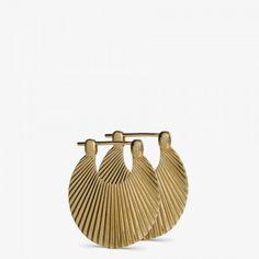 Små Shell øreringer i gull fra Jane König