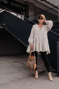Was ziehe ich morgen an? 5 Frühlingsoutfits für jeden Tag! Casual Chic Outfits, Cochella Outfits, Women's Dresses, Fashion Group, Fashion Outfits, Korean Fashion Trends, Fashion Bloggers, Fashion Tips For Girls, Fashion Portfolio