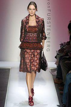 Diane von Furstenberg Fall 2005 Ready-to-Wear Collection Photos - Vogue