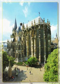 Did you know Aachen in Spanish is Aquisgrán? Me neither!