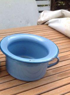Emalje on pinterest enamels vintage enamelware and ware - Pot de chambre antique ...