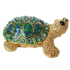 This Faberge jewellery style box is made in old traditions by artists of Russian company AKM.