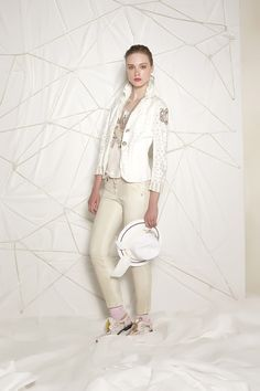 #danieladallavalle #collection #ss16 #elisacavaletti #jacket #top #trousers #socks #shoes #hat #necklace #jewellery #beige #white #gold #pink #purple