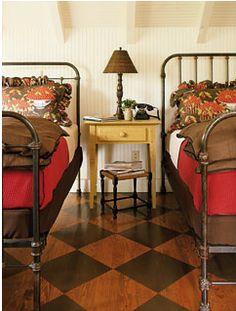 My Sweet Savannah: ~pretty painted floors~ Salons Cottage, Checkerboard Floor, Painted Wood Floors, Cottage Living Rooms, Cottage Bedrooms, Country Bedrooms, Cozy Bedroom, Bedroom Ideas, Floor Patterns