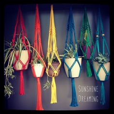 Macramé Plant Hangers by Sunshine Dreaming. Available for purchase on Etsy #macrame #sunshinedreaming
