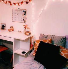 47 Creative Bedroom Decoration Halloween Ideas You Must Try - Fall Bedroom Decor, Fall Home Decor, Bedroom Ideas, Design Bedroom, Bedroom Inspo, Small Room Bedroom, Small Rooms, Modern Bedroom, Halloween Room Decor