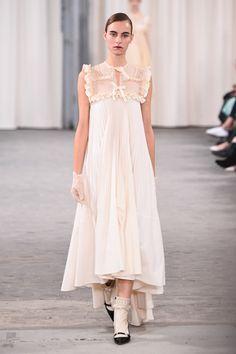 ヴェロニク ブランキーノ 2017年春夏コレクション - 開放感と目覚める少女性   ファッションプレス