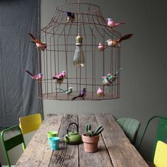 Een frivole #hanglamp voor boven de #eettafel met vogeltjes, net echt!