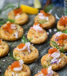 Start your party off right with these party food ideas and easy appetizer recipes for dips, spreads, finger foods, and appetizers. Finger Food Appetizers, Easy Appetizer Recipes, Appetizers For Party, Finger Foods, Christmas Appetizers, Torchys Queso Recipe, Tapas, Football Party Foods, Appetizer Sandwiches