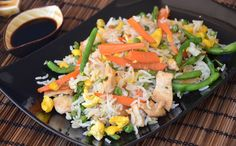 Fried rice with greens and WW hen, recipe of full dish with Asian flavors, simple and easy to make for a light-weight meal. Weigth Watchers, Vegetable Rice, Gluten Free Cooking, Weight Watchers Meals, Fried Rice, Fries, Veggies, Fried Vegetables, Food And Drink