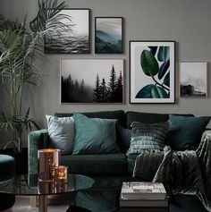 Inspiration for beautiful living room picture wall with posters Desenio - Vardagsrum Diy Living Room Murals, Living Room Interior, Home Living Room, Living Room Designs, Living Room Prints, Living Room Wall Colors, Living Room Paintings, Living Room Artwork, Manly Living Room