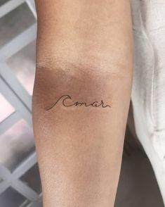 Mini Tattoos, Cute Tattoos, Body Art Tattoos, Small Tattoos, Tattoo Oma, Amor Tattoo, Tattoo Photography, Delicate Tattoo, Small Tattoo Designs