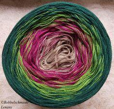 Die 47 Besten Bilder Von Bobbelen Ohne Ende Colors Hand Dyed Yarn